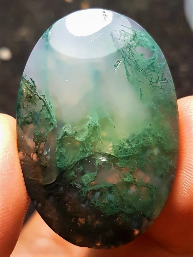 Stunning 68 Carats Moss Agate