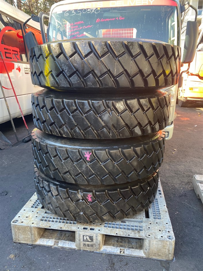 4 Truck Wheels and Tyres