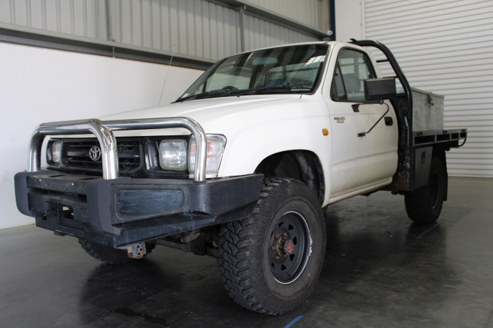 2000 Toyota Hilux (4x4) Diesel Cab Chassis