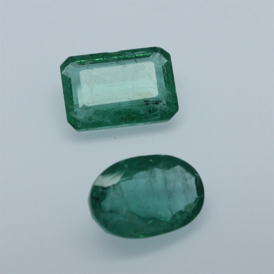 Two Loose Oval & Emerald Cut Emeralds 5.70ct