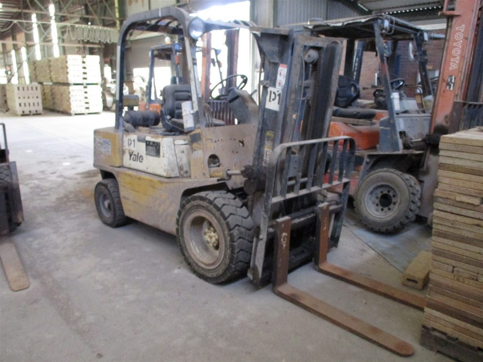 Yale GDP25RD 4 Wheel Counterbalance Forklift