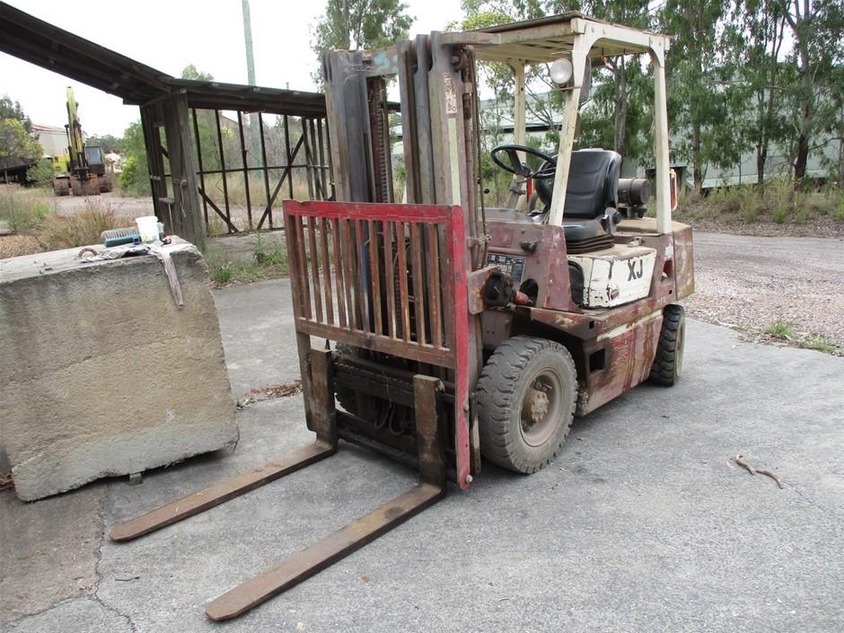 Lansing XJF3251126 4 Wheel Counterbalance Forklift