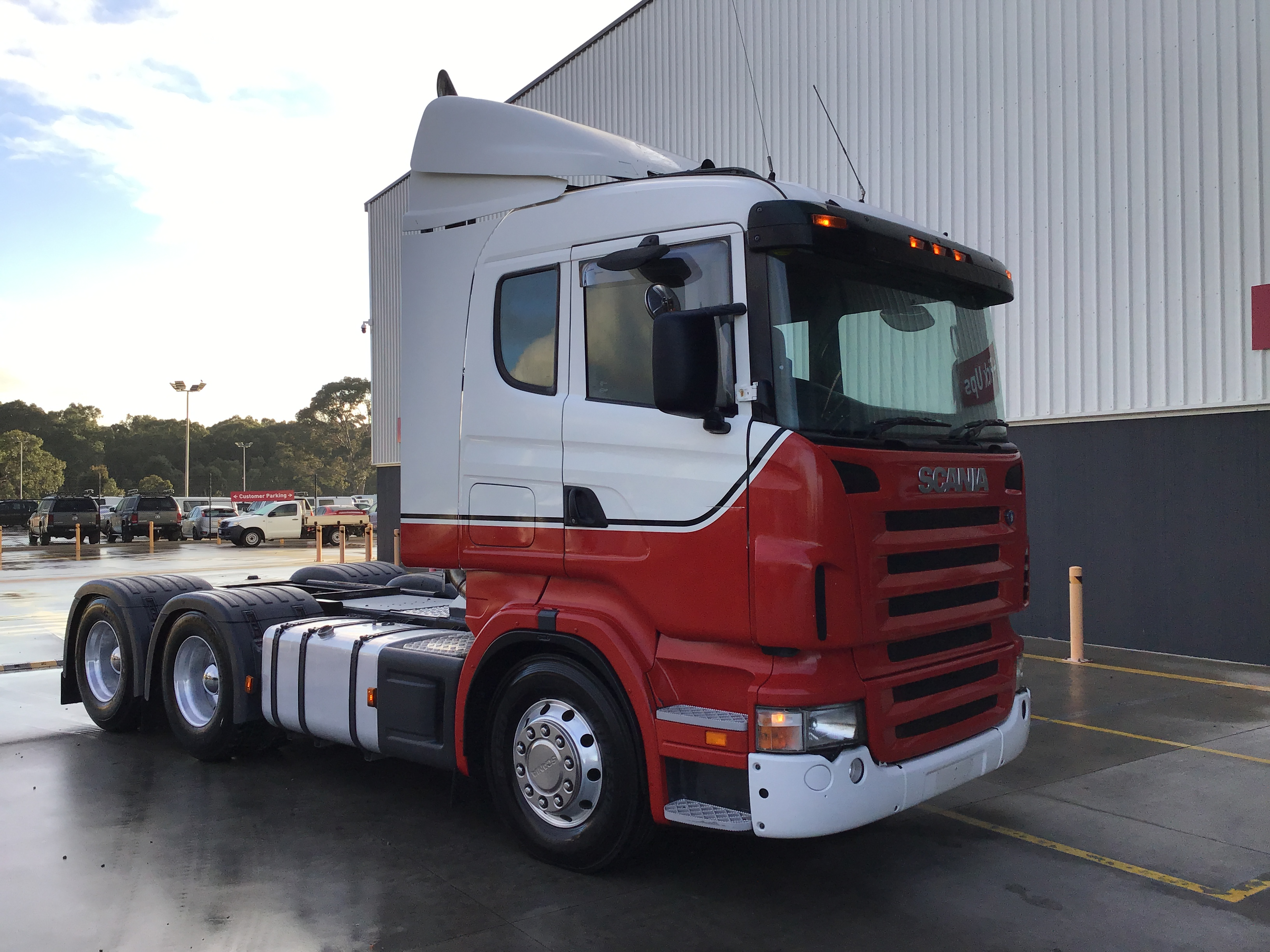 2004 Scania P420 6 x 4 Prime Mover Truck