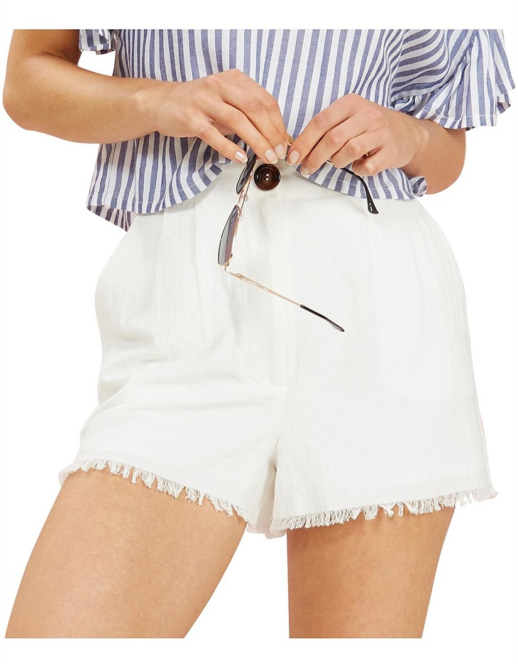 MINK PINK Willow Raw Hem Shorts. Size M, Colour: Off White. 100% Cotton. Bu