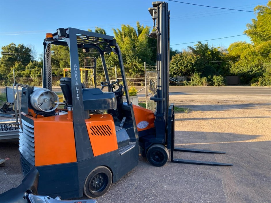 4 Wheeled Counterbalance Articulated Forklift