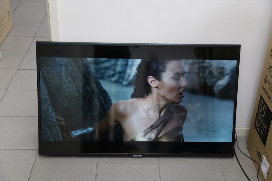SAMSUNG 43inch TV. Model UA43NU7100WXXY. c/w Remote & Power Cable. N.B not
