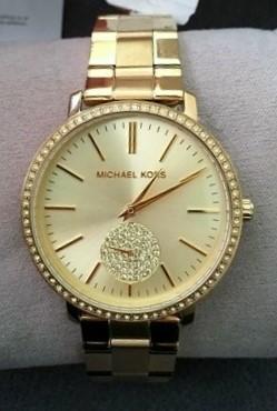 Ladies new Michael Kors couture NY 'Jaryn' luxury gemstone watch.