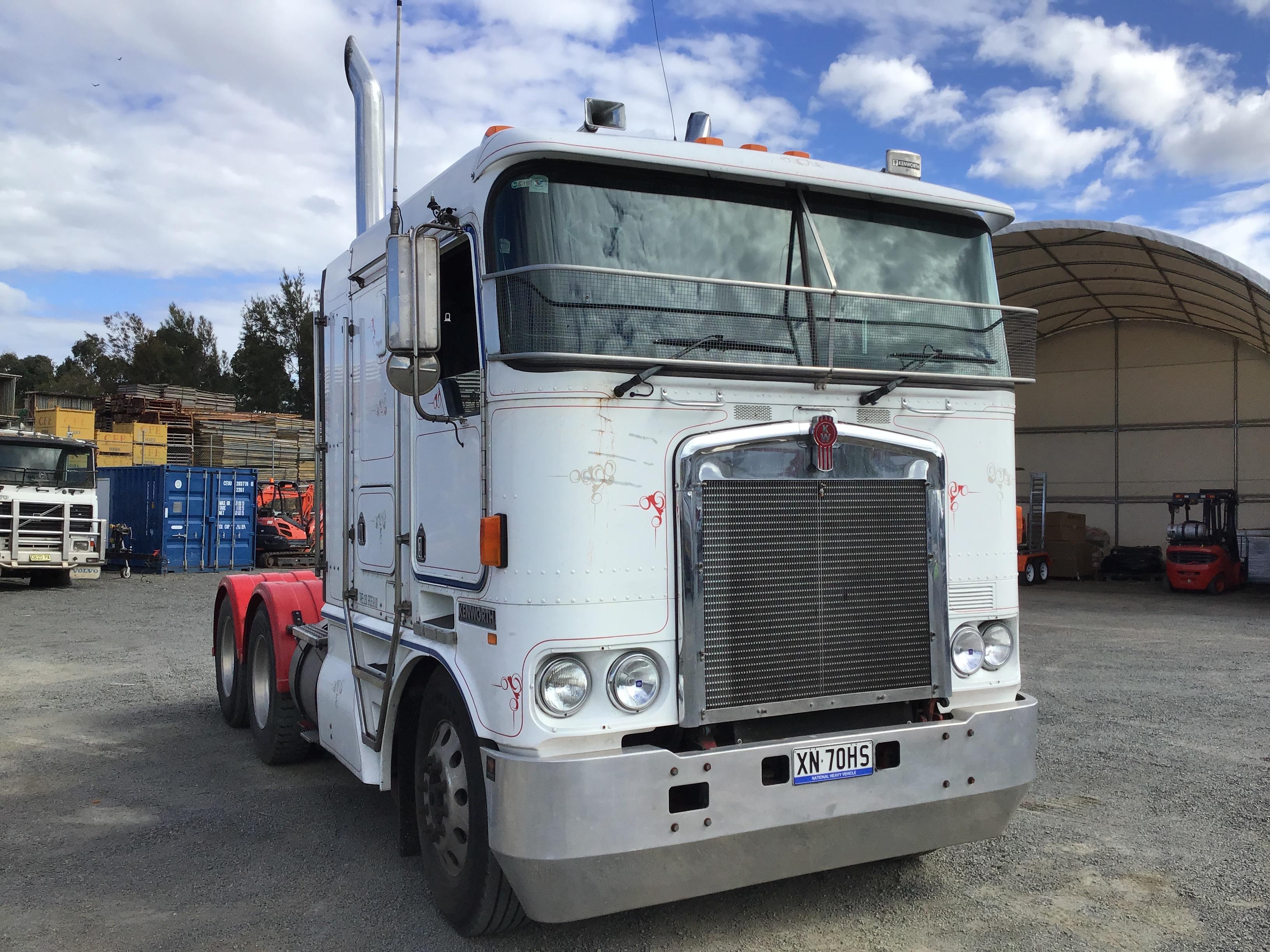 2002 Kenworth K104 6 x 4 Prime Mover Truck