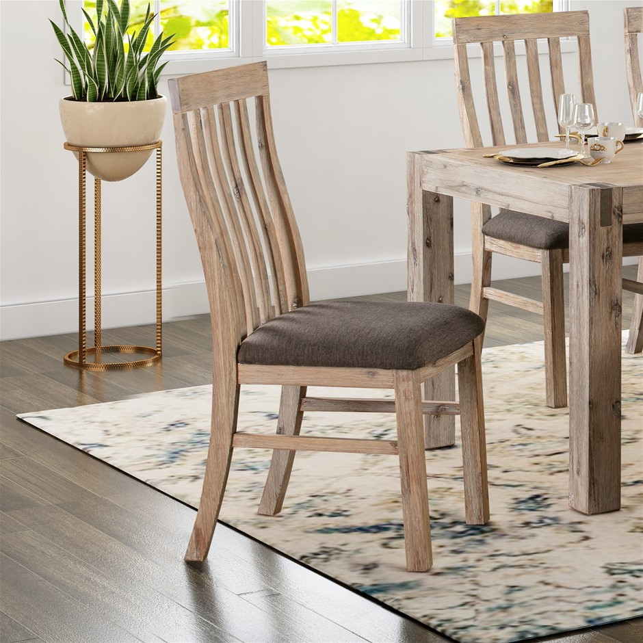 Java Dining Chair has a vintage look with its traditional Oak colour.