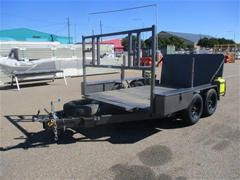 2002 Robertson`s Fabrications Plant Trailer