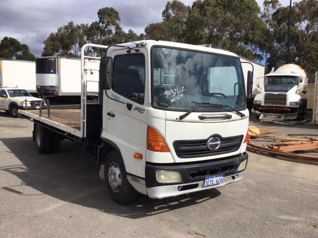 2004 Hino FC FUSION 4 x 2 Tray Body Truck
