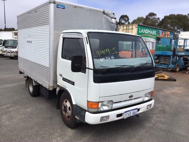 1994 Nissan ATLAS 200 4 x 2 Pantech Truck