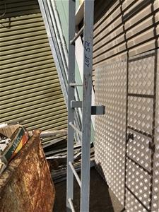 Heavy Duty Steel Ladder