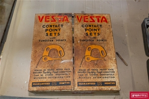 Vesta Vintage Contact Point Set in Wall