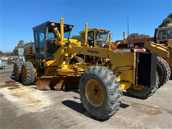 Volvo 710A Grader with Rippers