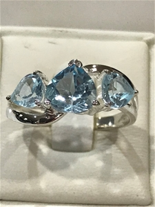 Classical Three Stone Blue Topaz 3.00ct