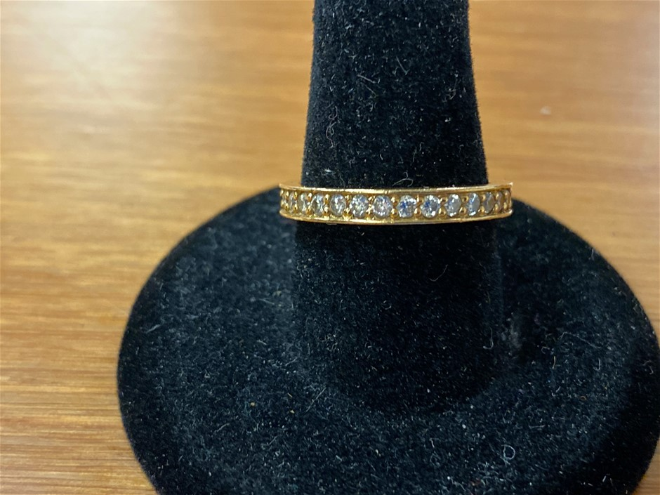Gold and Diamond Ring 18 Karat Yellow Gold Approx. 0.