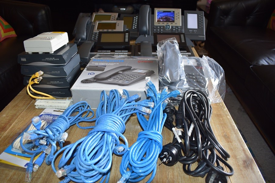 BULK LOT OF ASSORTED UNTESTED/ELECTRONICS