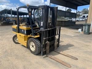 4 Tonne Daewoo D405 Forklift