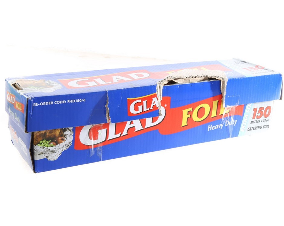 2 x GLAD Extra Heavy Duty Catering Foil, 150mx30cm N.B. Damaged Packaging.