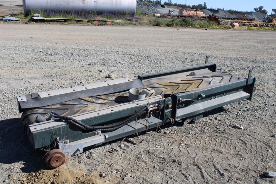 3400x600 conveyor with hydraulic drive