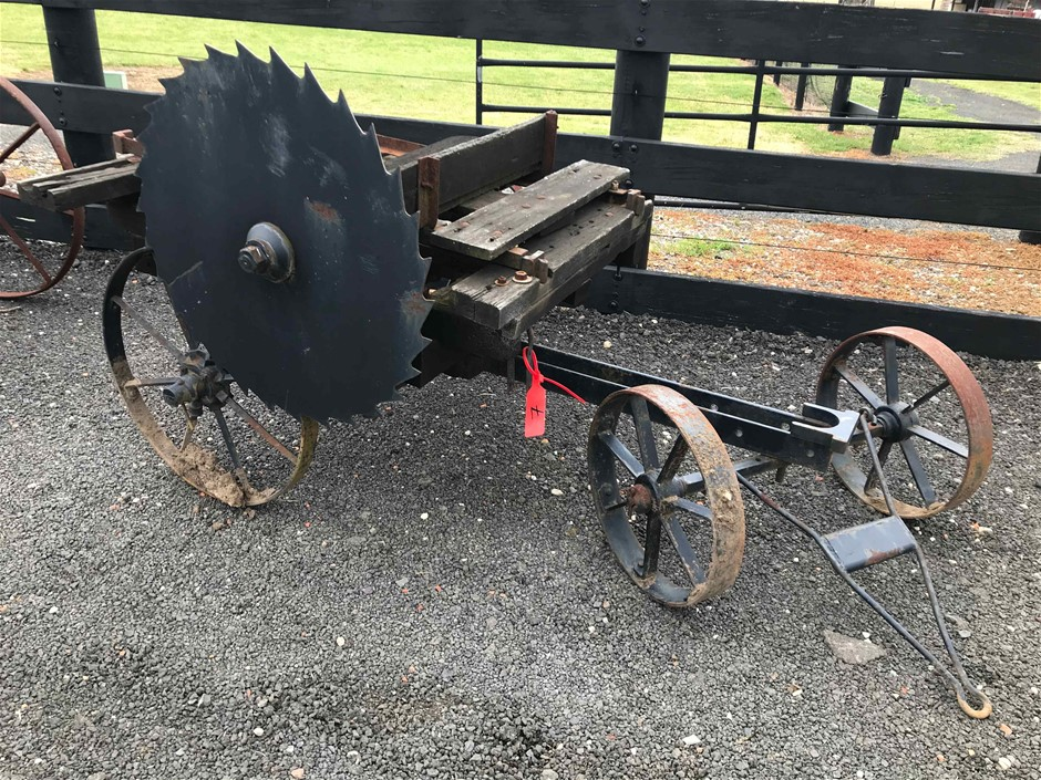 Mobile Saw Bench