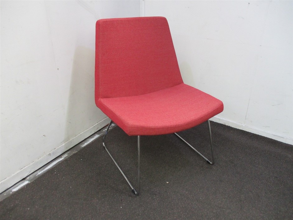Konfurb Visitor Chair