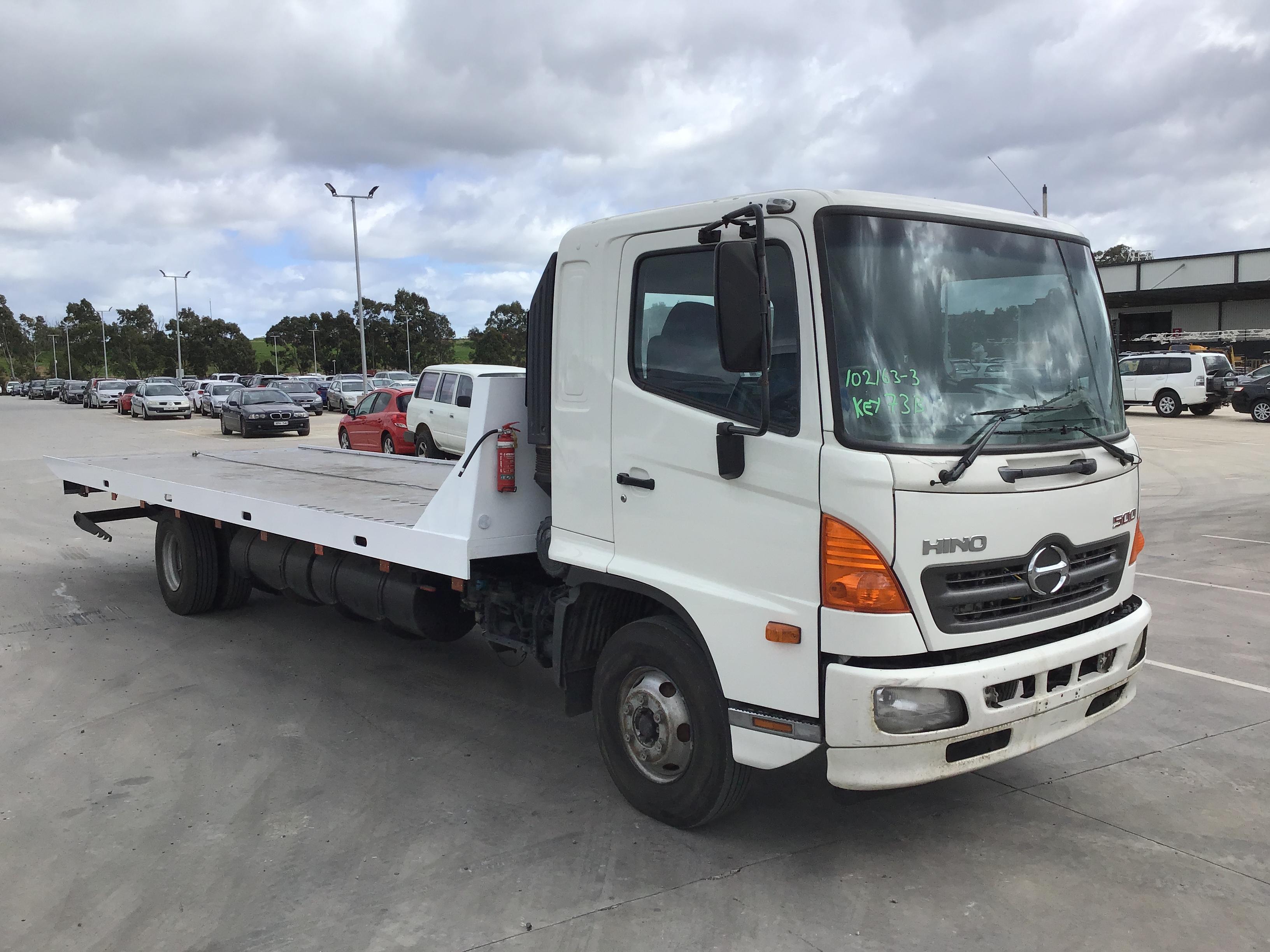 2006 Hino FD 500 4 x 2 Tilt Tray Truck