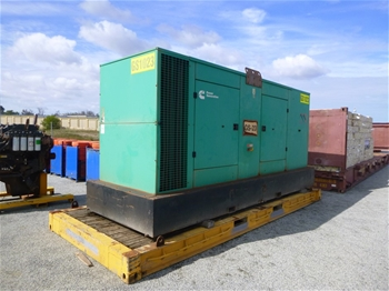 2012 Cummins 600 KVA Silenced Enclosed Generator (MR582)
