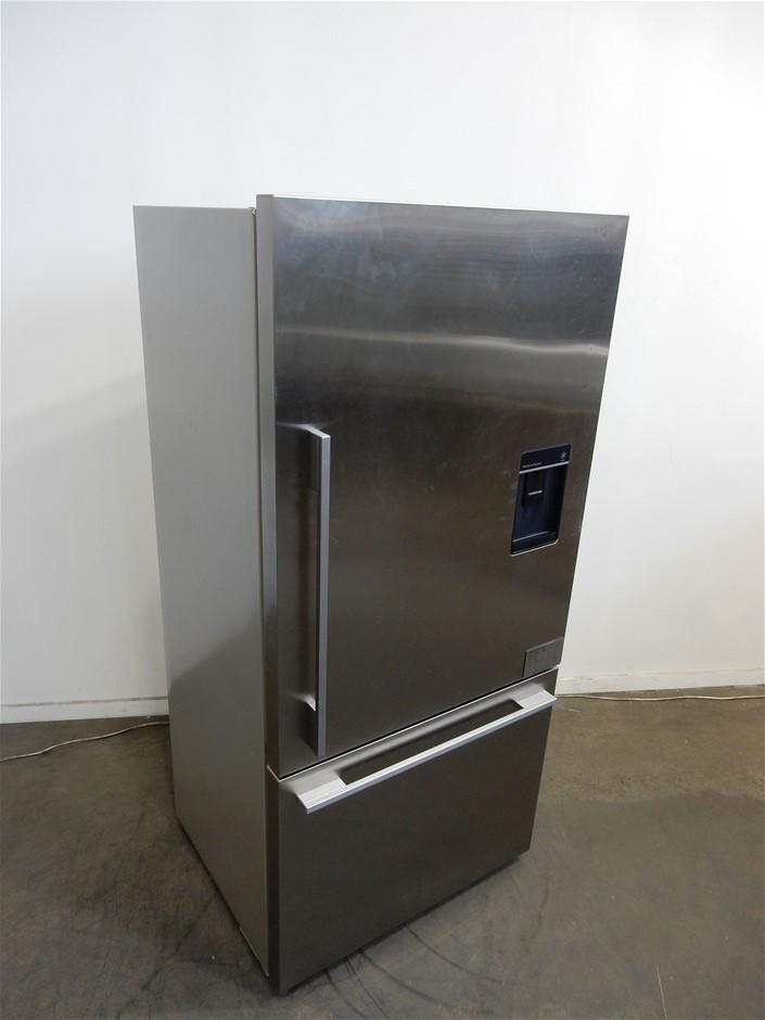 Fisher & Paykel RF522WDRUX5 519L Refrigerator