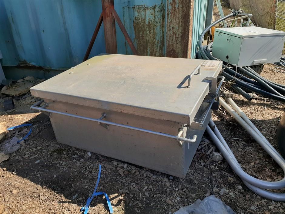 Kennedy Aluminium Lidded Box (Hinged)