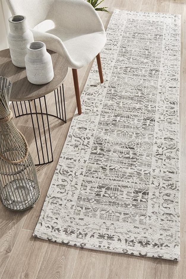 Large Silver Grey Transitional Jacquard Woven Rug - 400X80cm