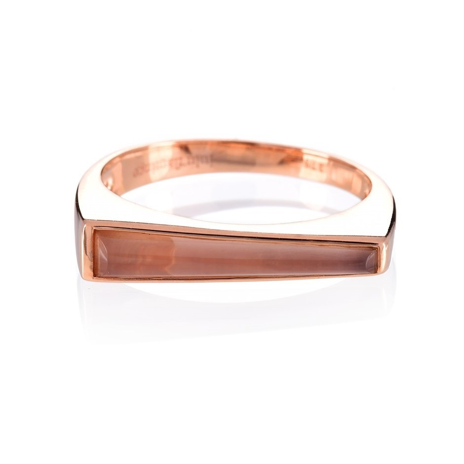 Solid 9ct rose gold and pink chalcedony ring