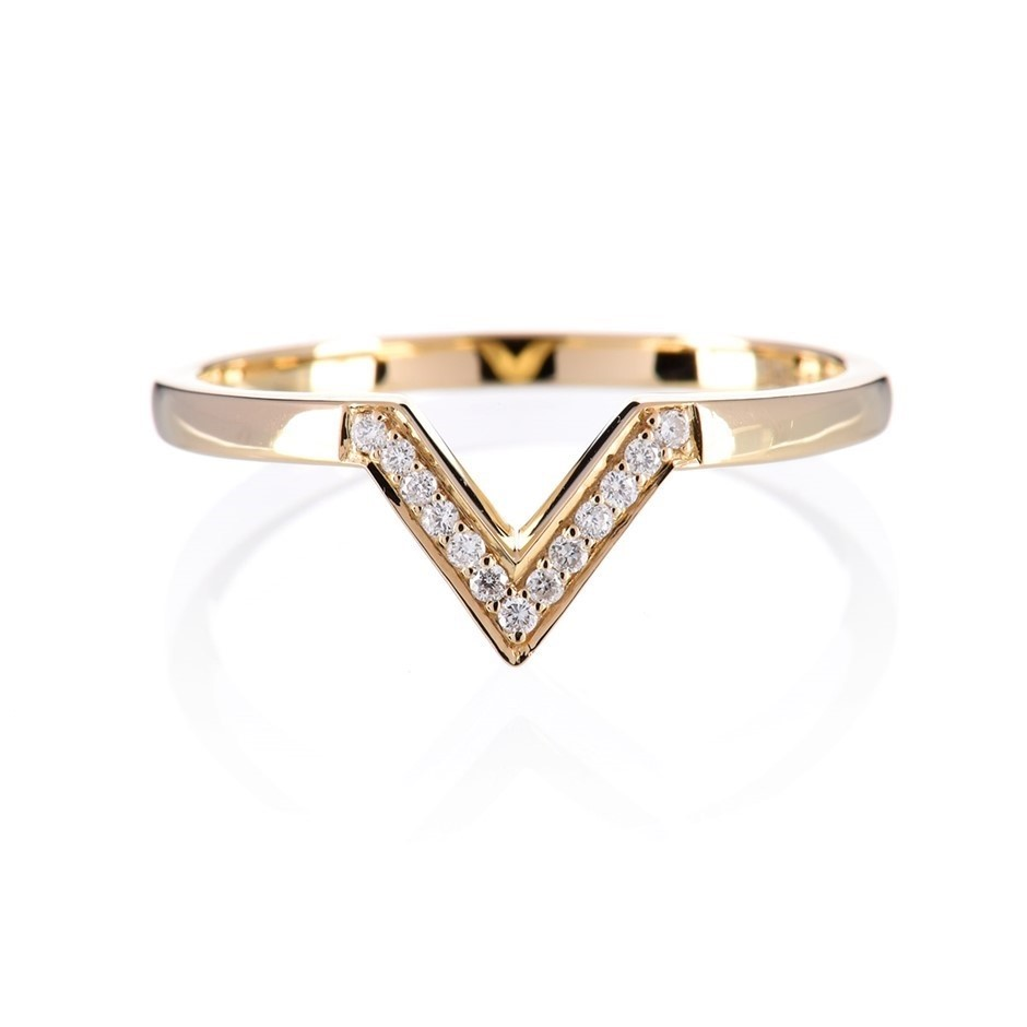 Solid 9ct yellow gold and diamond ring 0.07ct TDW