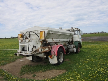 Super Spreader Hydraulic Driven Twin Spinners