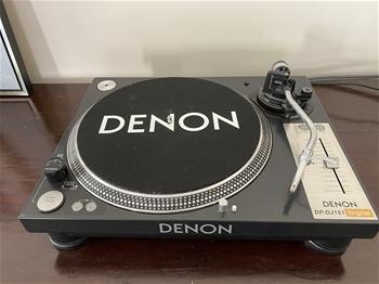 Denon DJ Turntable