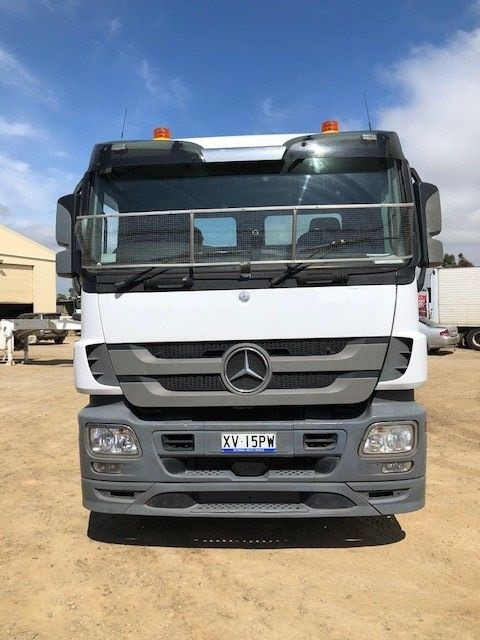 2011 Mercedes Benz 2644 6 x 4 Prime Mover Truck
