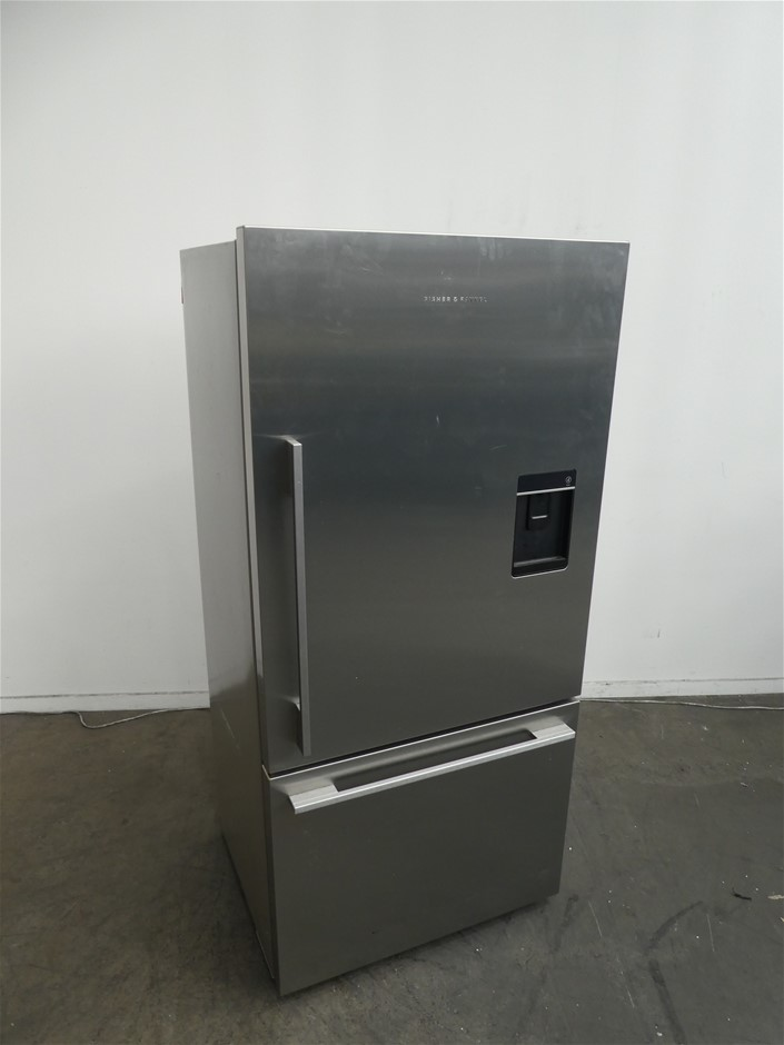 Fisher & Paykel RF522WDRUX5 519L Refrigerator