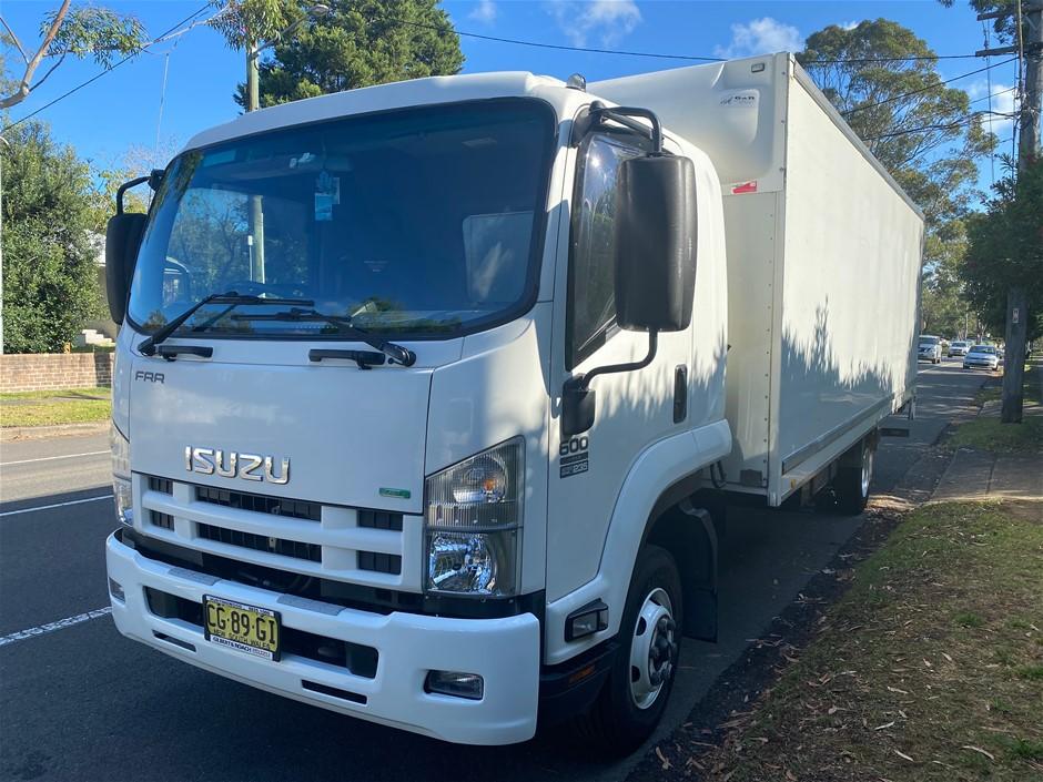 2015 Isuzu FRR600 Long 4 x 2 Pantech Truck