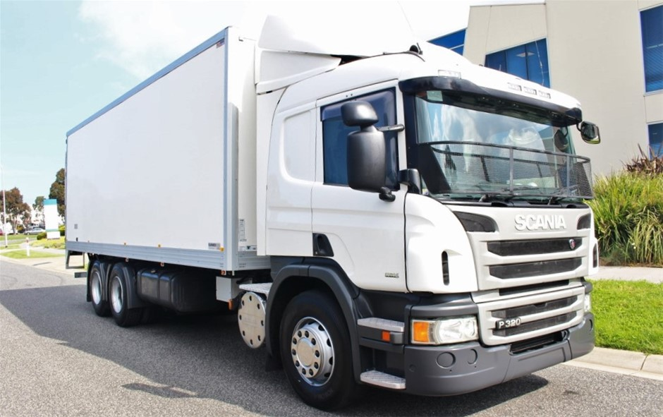 2014 Scania P320 Automatic Refrigerated Body Truck