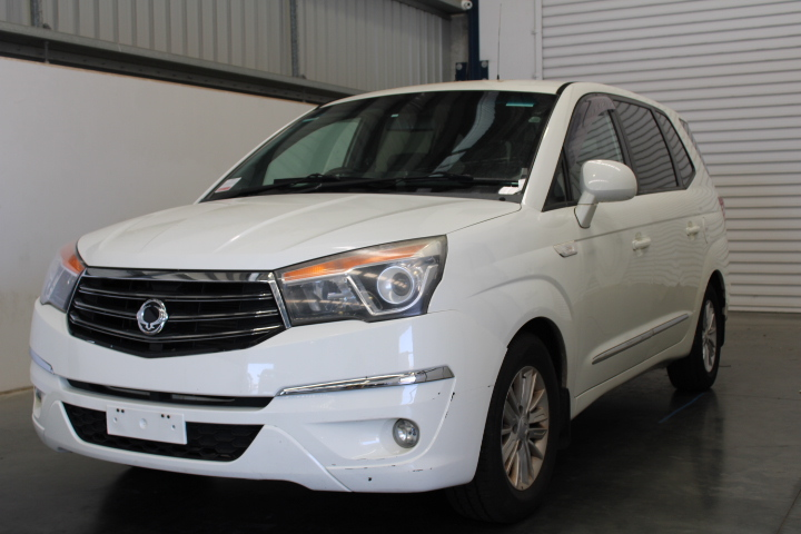 2014 Ssangyong Stavic Turbo Diesel Automatic 7 Seats People Mover