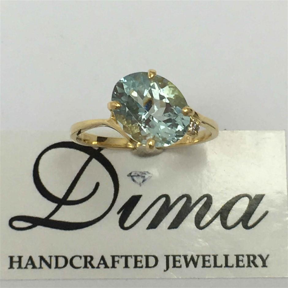 18ct Yellow Gold, 2.80ct Aquamarine and Diamond Ring