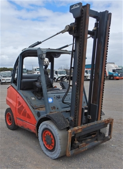 2011 Linde H45-T01 4 Wheel Counterbalance Forklift