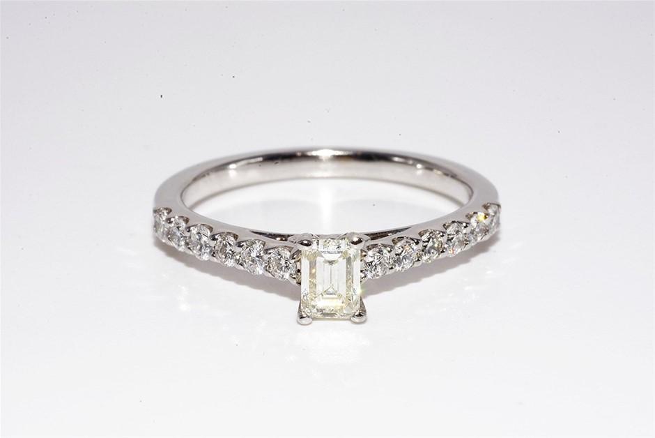 14ct White Gold, 0.94ct Diamond Engagement Ring