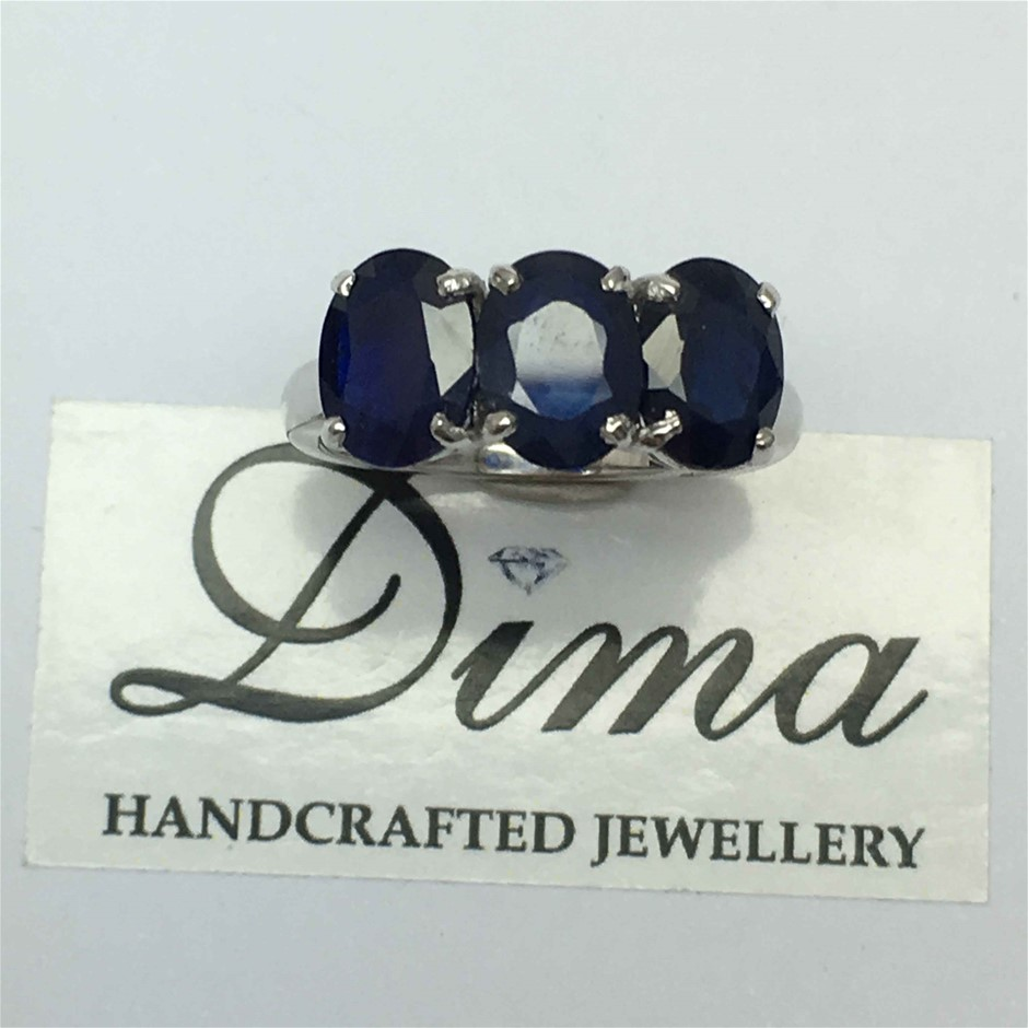 18ct White Gold, 4.88ct Blue Sapphire Ring