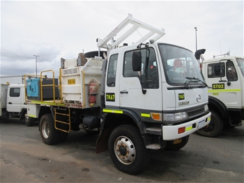 2002 Hino GT1J 4x4 Service Truck