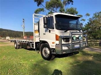 2010 Hino GH 500 Series 4x2 Single Cab Flat Tray Truck