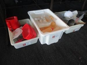 Quantity 3 Tubs/Trays Kitchen Items