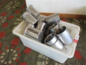 1 Tub of Stainless Steel Cylinder Bain-m
