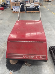 Factory Cat Push Along Sweeper